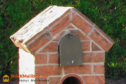 Steeple Top Brick Mailbox